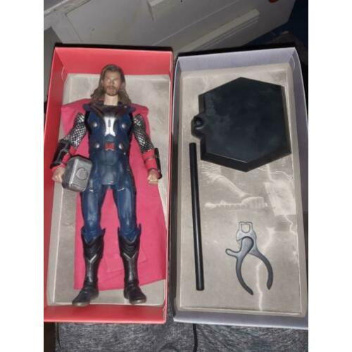 Thor 1/6 scale Marvel